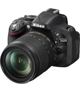 Nikon D5200 + 18-105