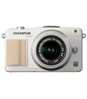 Olympus E-PM2 Mirrorless Micro Four Thirds Camera + 14-42mm f/3.5-5.6 II