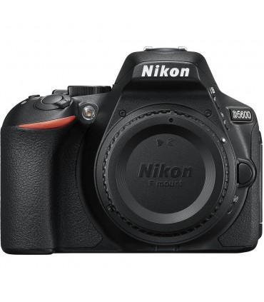Nikon D5600 + 18-140 VR
