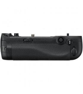 گریپ باتری Nikon مدل MB-D17 برای دوربین D500