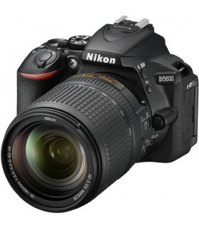 دوربین نیکون مدل Nikon D5600 + 18-140 VR (دست دوم)