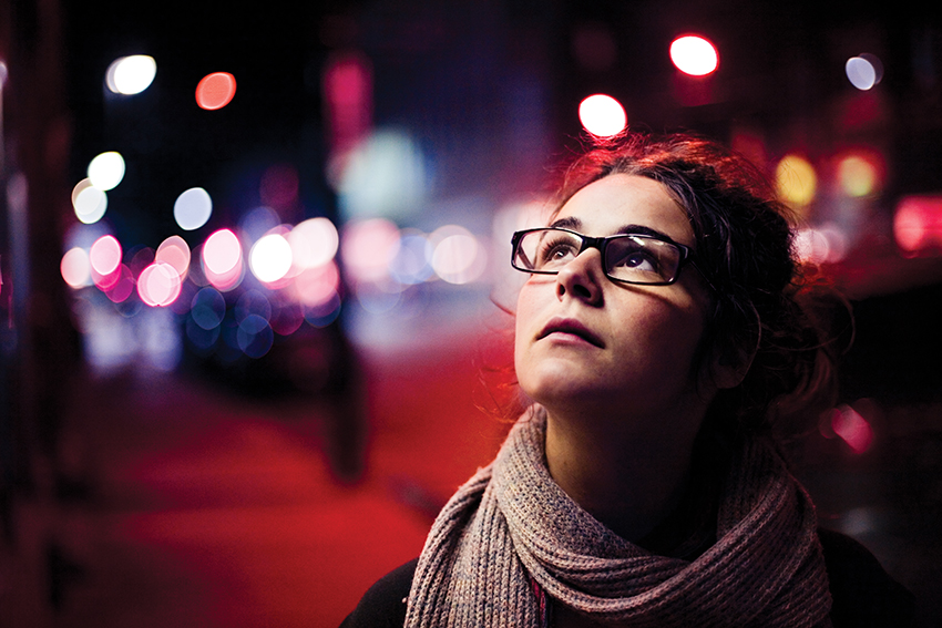 night-woman-photo