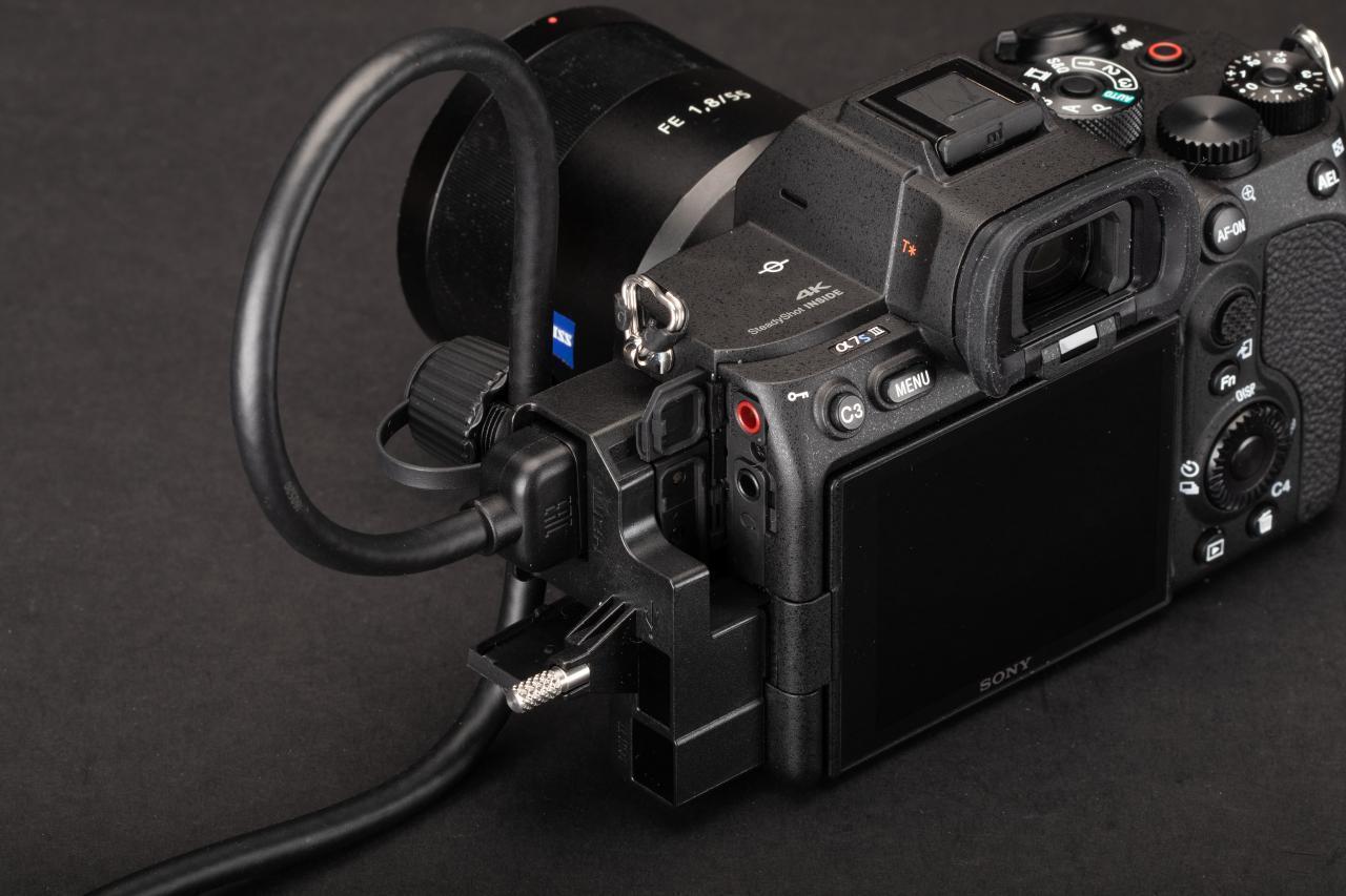 طراحی بدنه دوربین سونی آلفا a7s iii